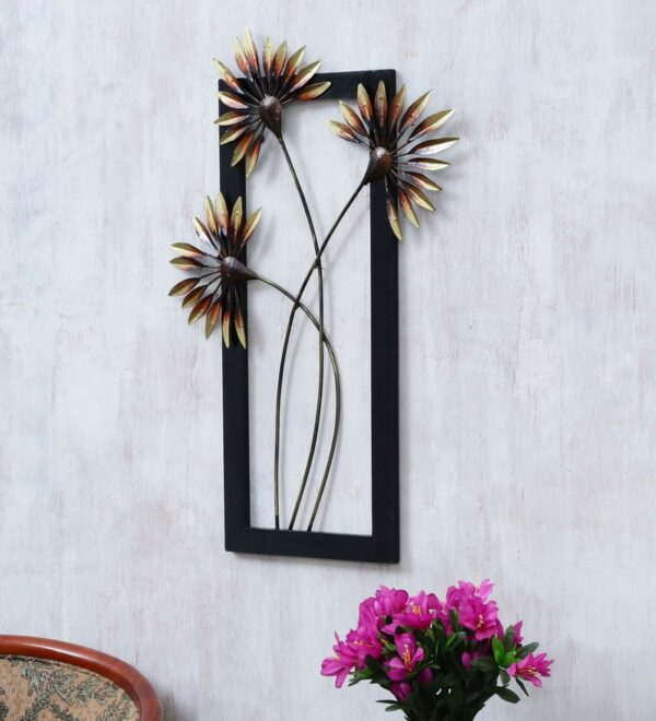 Iron & Wood Handicraft Wall Decor Palm Leaf Frame