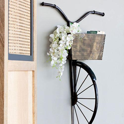 Metallic Iron Vitage Cycle With Basket